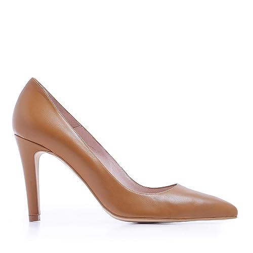b307dccad1654 Castellanísimos Zapato Salón Marrón Mujer de Piel con Tacón  Amazon.es   Zapatos y complementos