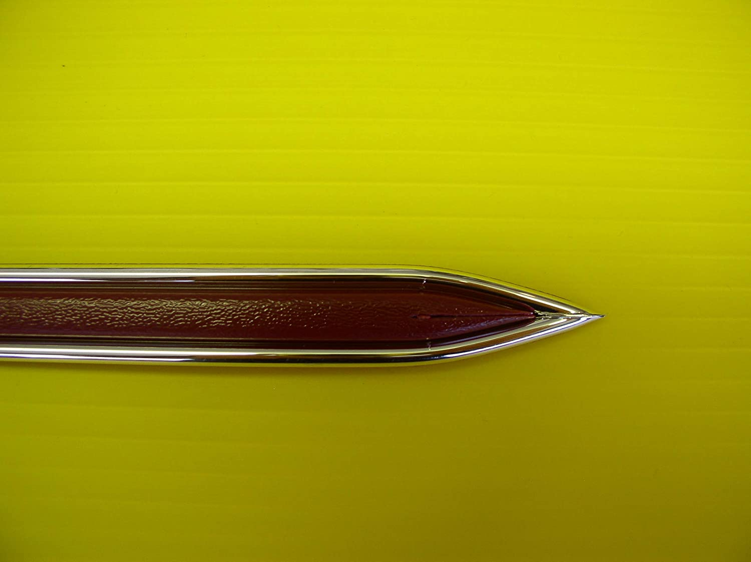 1 1//4 Chrome and Colored Body Side Molding with Finished Ends Black