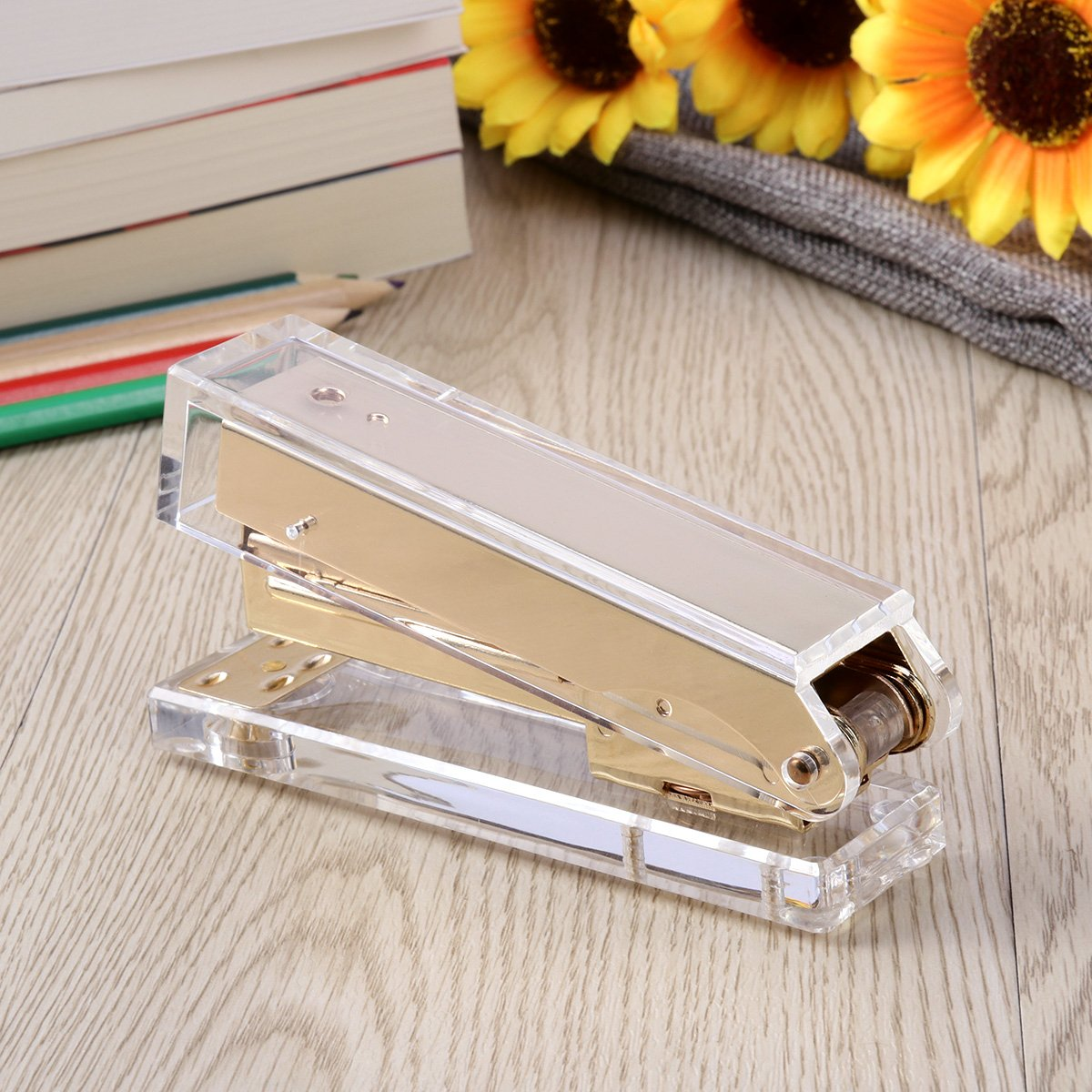 TOYMYTOY Acrylic Clear Desktop Staplers,Classic Desk Staplers for Office, School Use (Gold) by TOYMYTOY (Image #3)