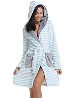 a19f15c1e5 Ladies Coral Fleece Super Soft Thick Luxurious Bath Robe With Hood ...