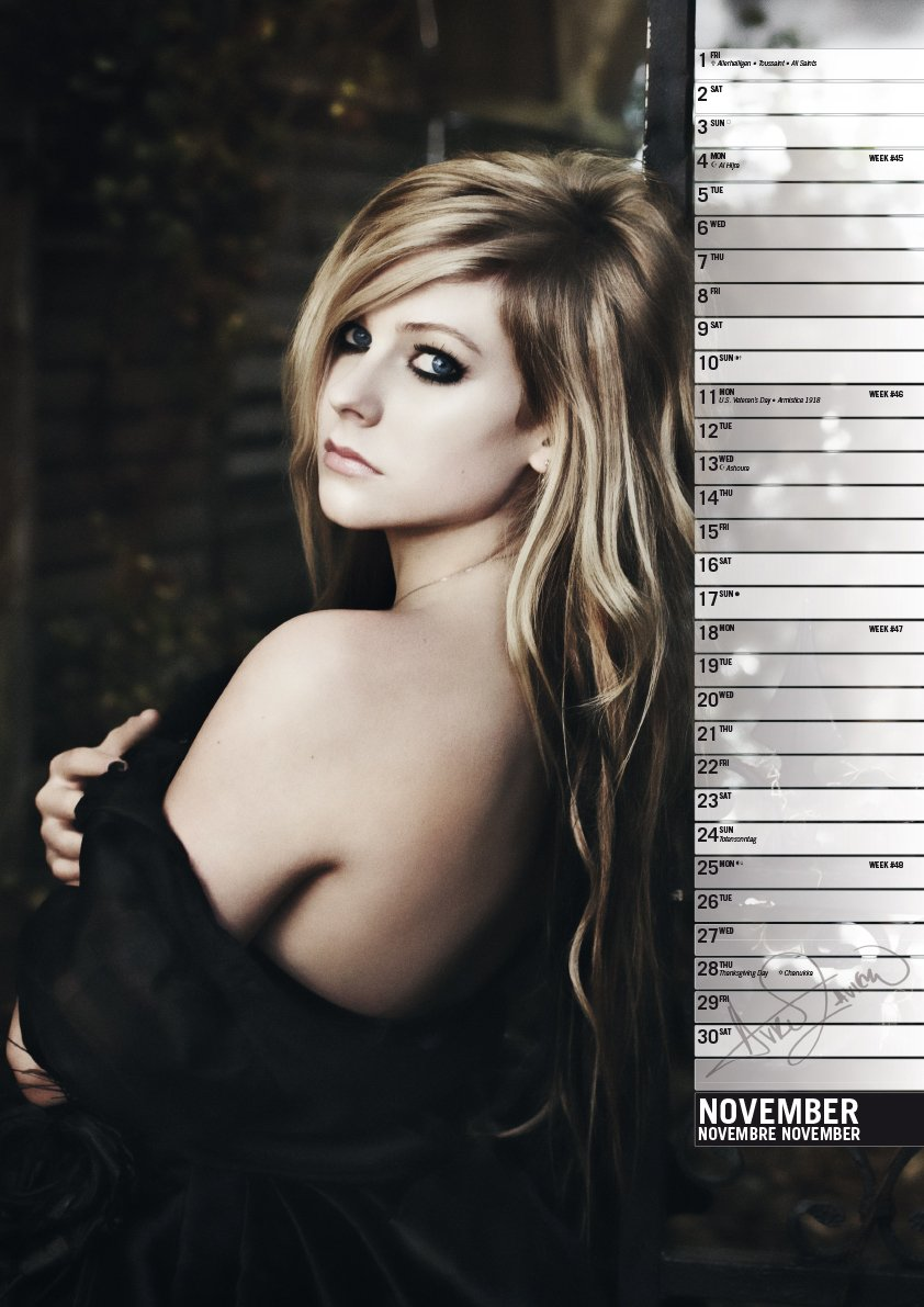 Amazon avril lavigne 2013 calendar avril lavigne music voltagebd Image collections