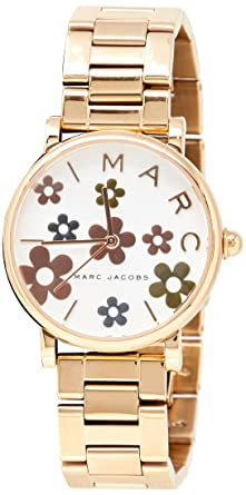 caef63cb1bf Amazon.com  Marc Jacobs Women s Classic Quartz Watch with Stainless ...