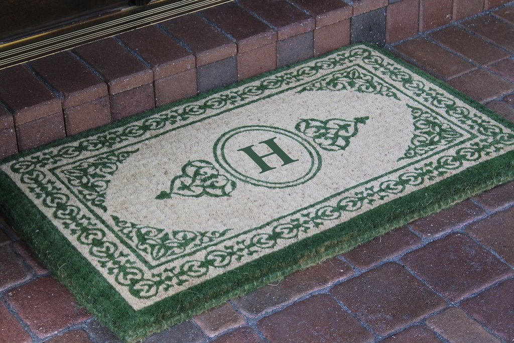Hand-crafted Green Filigree Decorative Border Extra-thick Doormat (1'10 x 3')-A1HOME200060-H