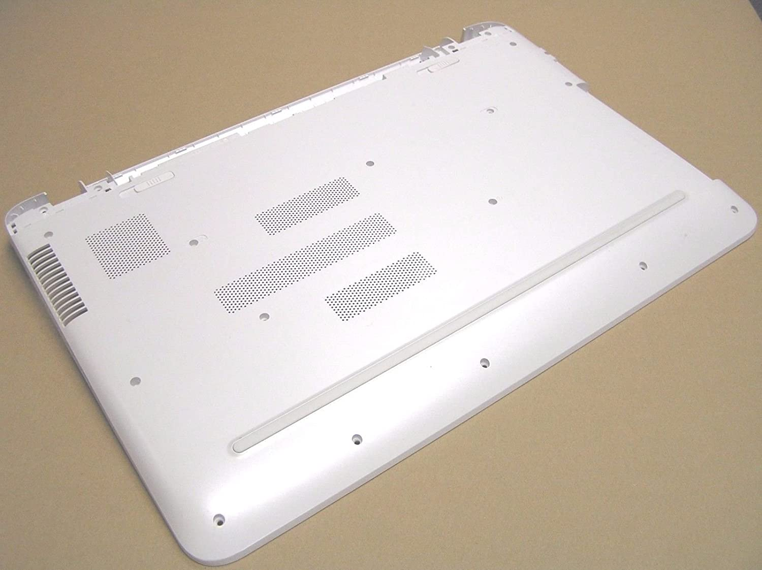 HP Pavilion 17 Bottom Base Enclosure Blizzard White 809287-001