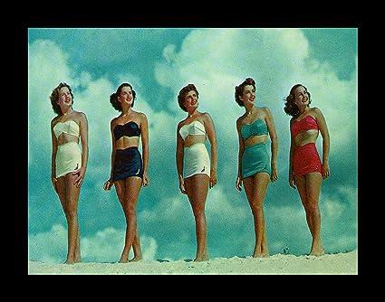 5271c34f61 Amazon.com  FRAMED Bathing Beauties 16x12 Art Print Poster Vintage ...