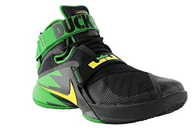 dd7d75aaae9 Amazon.com | Nike Mens Zoom Soldier 9 IX PRM Lebron Oregon Ducks ...
