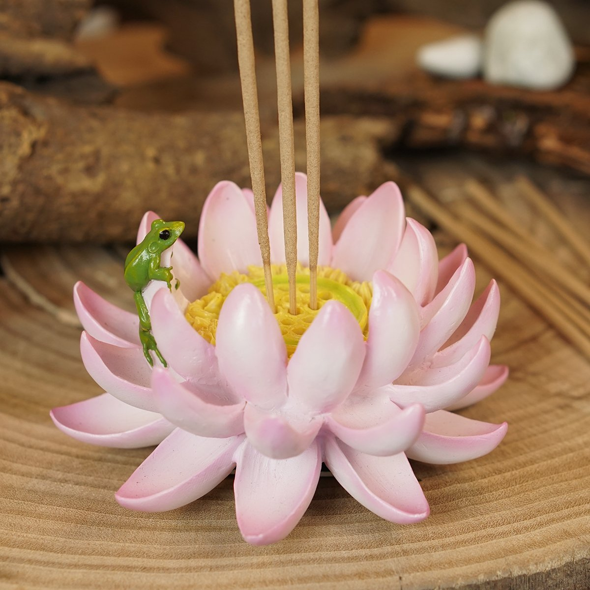 Amazon Top Collection Lotus Flower With Frog Incense Candle