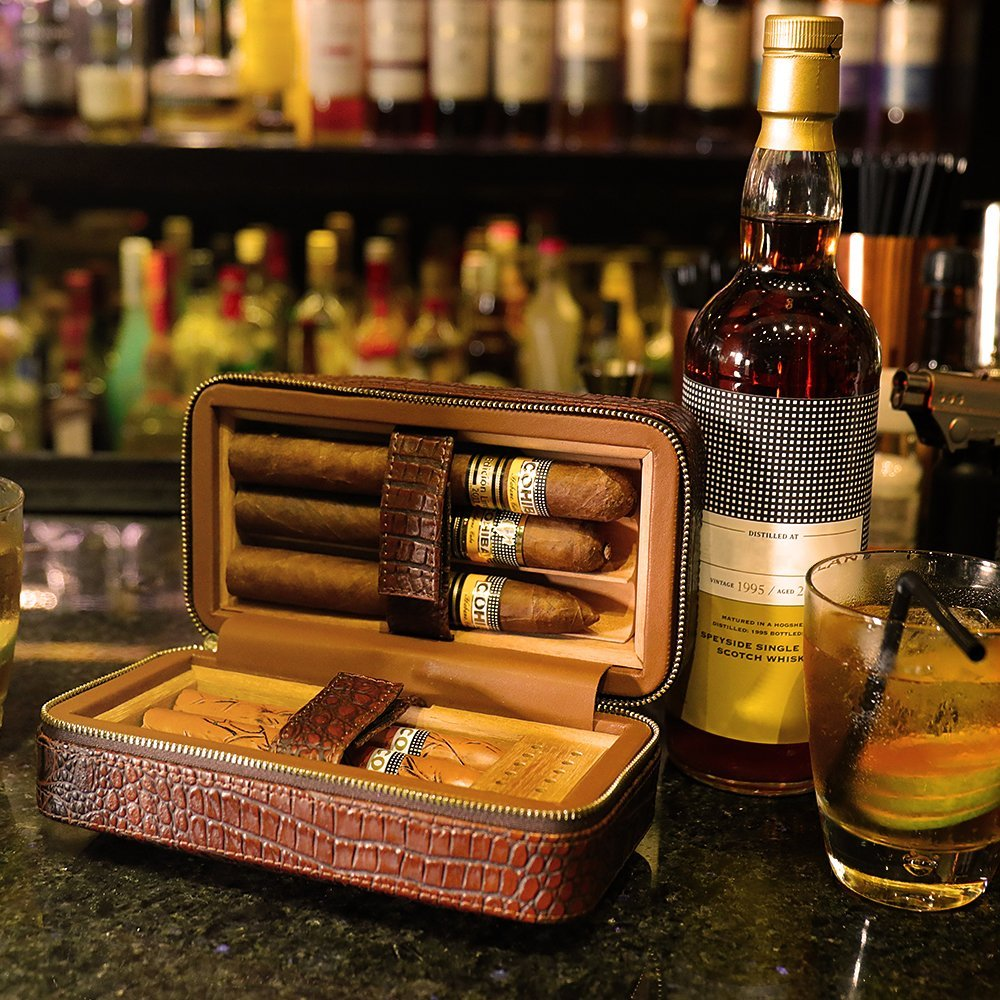 LAGUTE Groucho Travel Genuine Leather Cigar Humidor Case, Cedar Wood Lined with Humidifier and Removable Trays, Portable Lightweight Cigar Box Gift Set