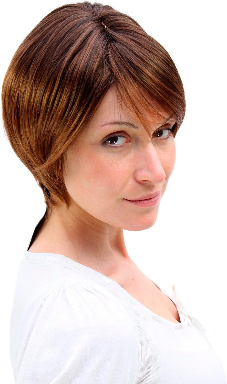 sexy brunette mit tan linien