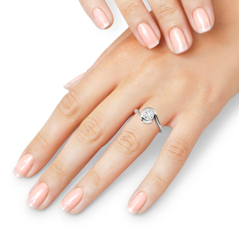 Charles & Colvard Forever One anillo de compromiso - Oro blanco ...