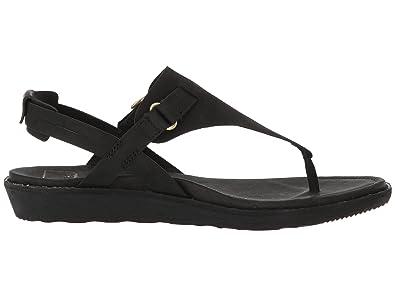 403a835ba9e Women s Encanta Thong Flat Walking Sandal  Amazon.co.uk  Shoes   Bags