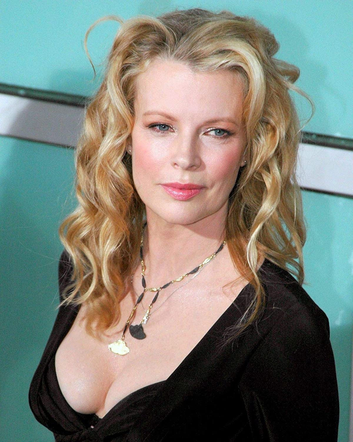 Watch Kim Basinger video