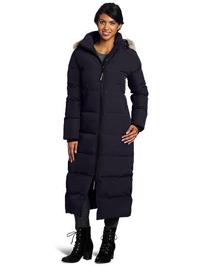 0f4bfc32560 Amazon.com  Canada Goose Women s Mystique  Clothing