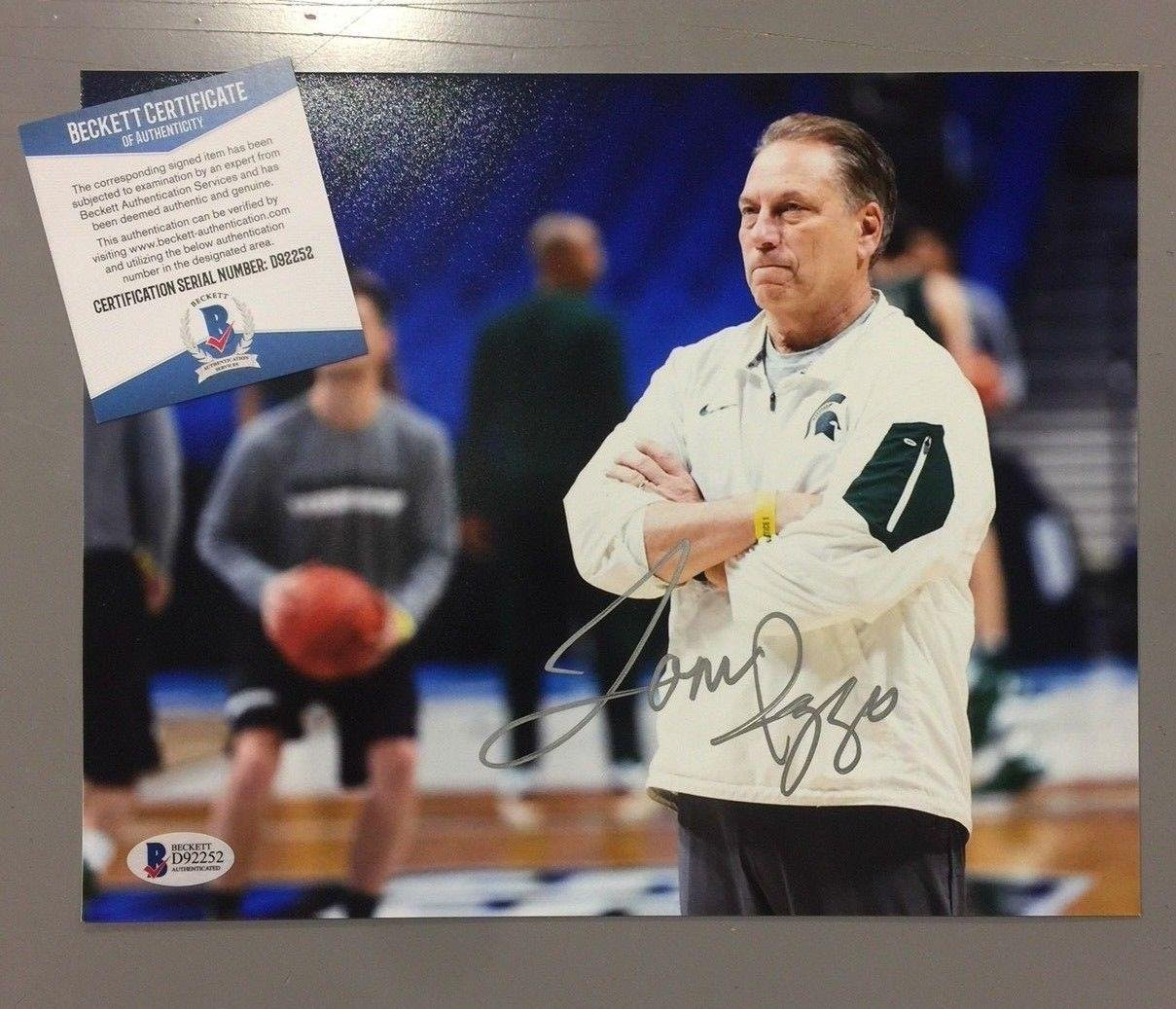 ce74a4ec541c Tom Izzo Signed Photograph - 8x10 Beckett D92252 - Beckett Authentication  at Amazon s Sports Collectibles Store