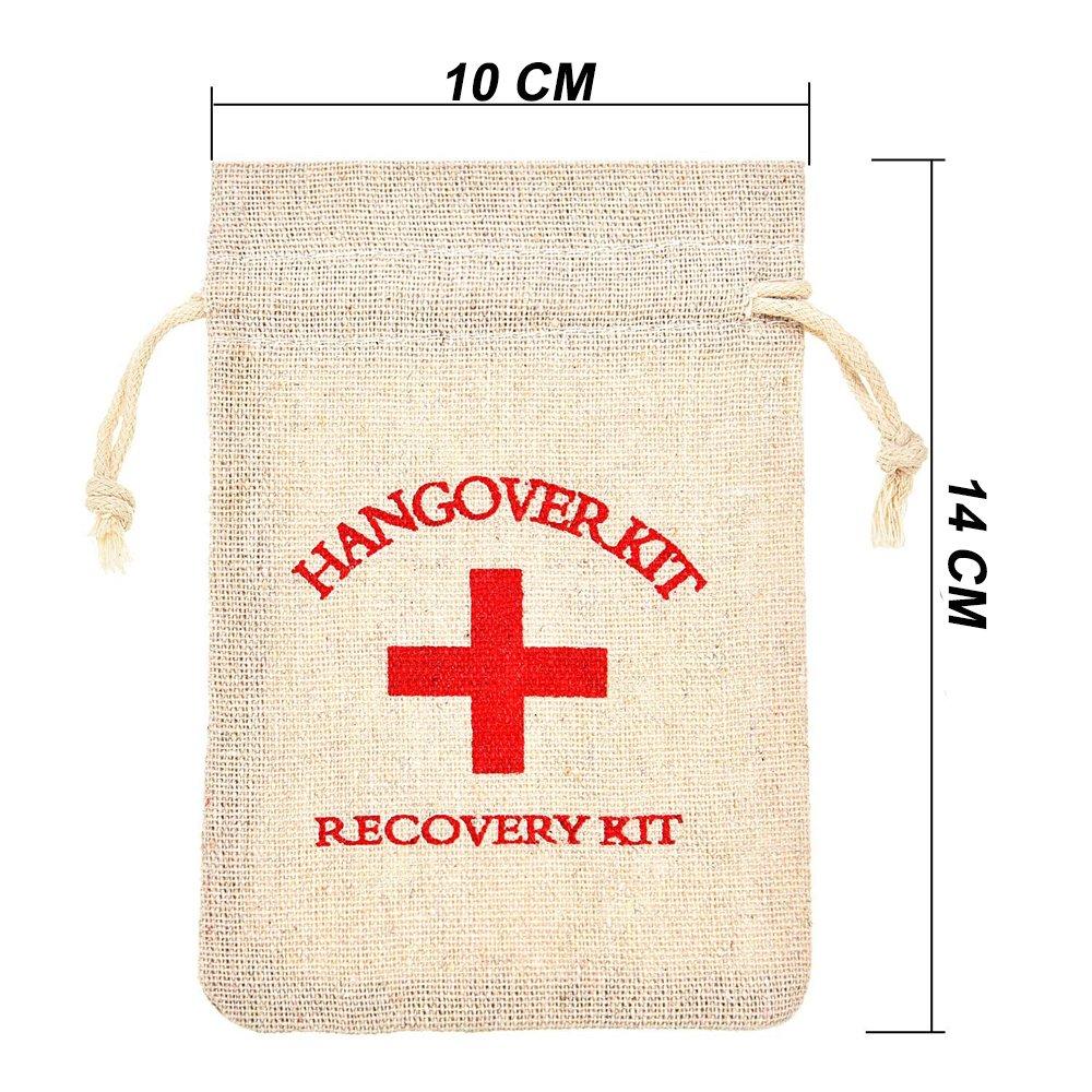 AmaJOY Bolsas de regalo para boda hechas de algodón con cuerda de muselina, con diseño de cruz roja y texto en inglés «Hangover kit, recovery kit», 10 x 15cm, 20 unidades AM2018042601