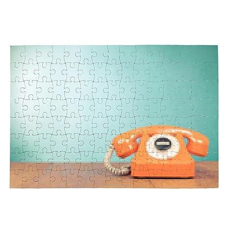 Puzzle Retro Telefono Arancione Sul Tavolo Menta Davanti Muro Sfondo