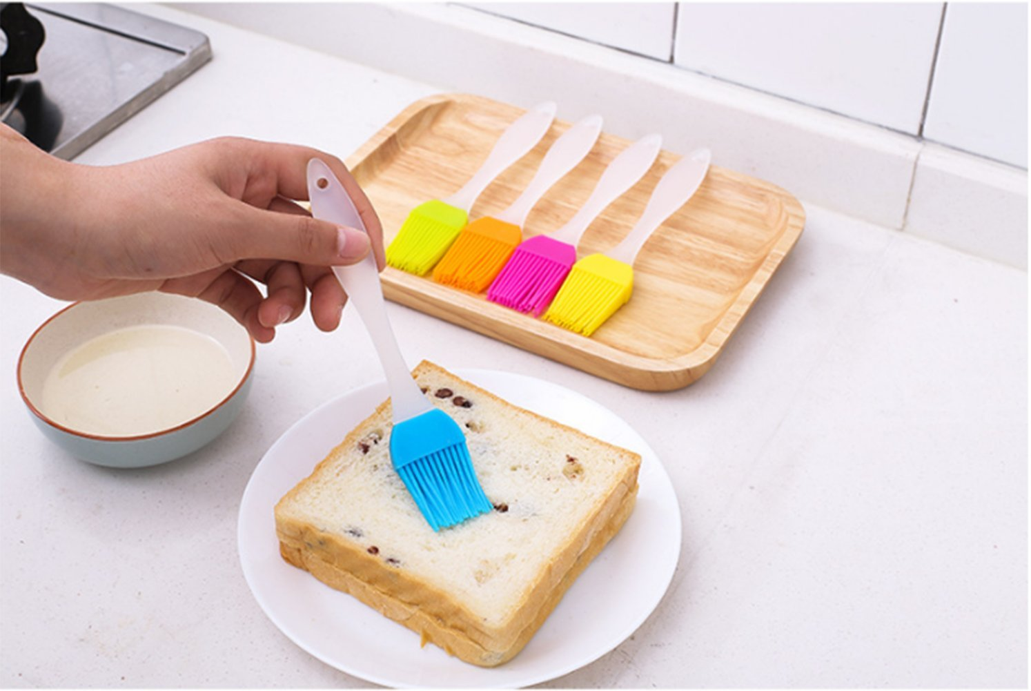 FDIO 5 Pcs Silicone Pastry/Basting/Oil Brush,Kitchen Gadgets for BBQ,Meat,Grilling,Cakes,(Multicolor) 4 MATERIAL: The oil brush head is made of food-grade silicone, which can withstand high temperature. The handle is environment-friendly PP which is non-toxic and durable FIVE COLOR TO CREATE FOOD: Including multiple colour 5 silicone brushes in one set, vibrant colors, avoid flavor crossing by using one color for different seasoning LIGHTWEIGHT DESIGN: The lightweight handle provides a soft comfortable firm grip making basting easy, quick and effortless coating action, can be used in many applications