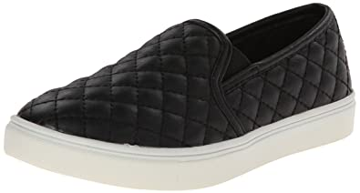 af9ea64f2d5 Steve Madden Girls  JECNTRCQ Flat Black 1 M US Little Kid