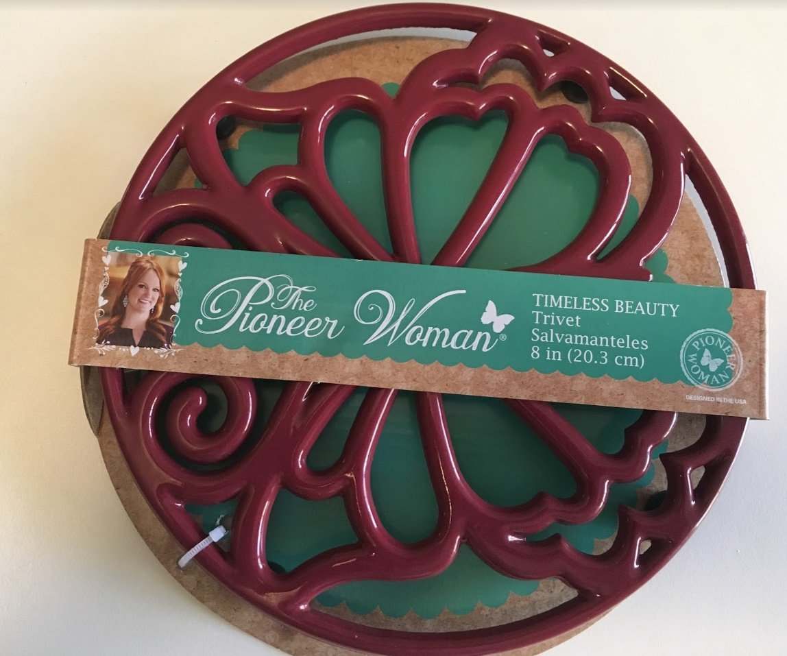 The Pioneer Woman Cast Iron 8'' Timeless Beauty Trivet Salvamanteles Enameled Claret