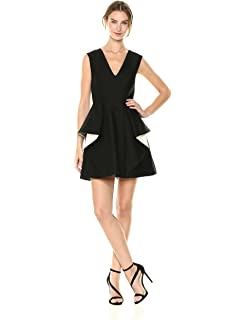 26830408c20e Amazon.com  Halston Heritage Women s Cap Sleeve V Neck Dress with ...
