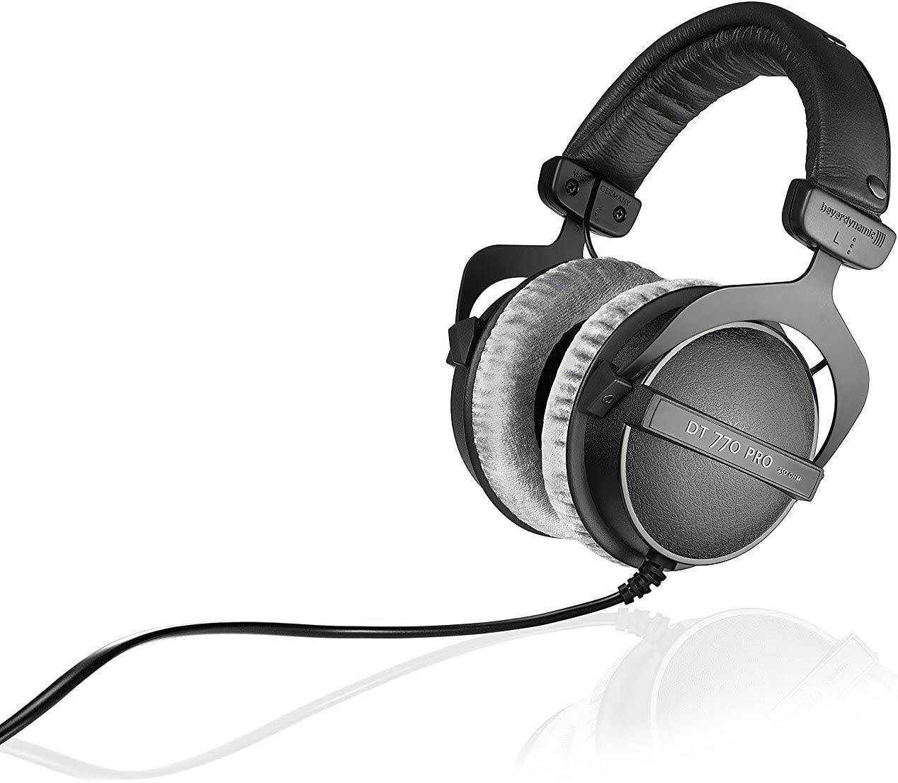 This is the best headphone for the gaming and also the best headphones for the voice recording the people used this headphones for the purpose of gaming and voice recording