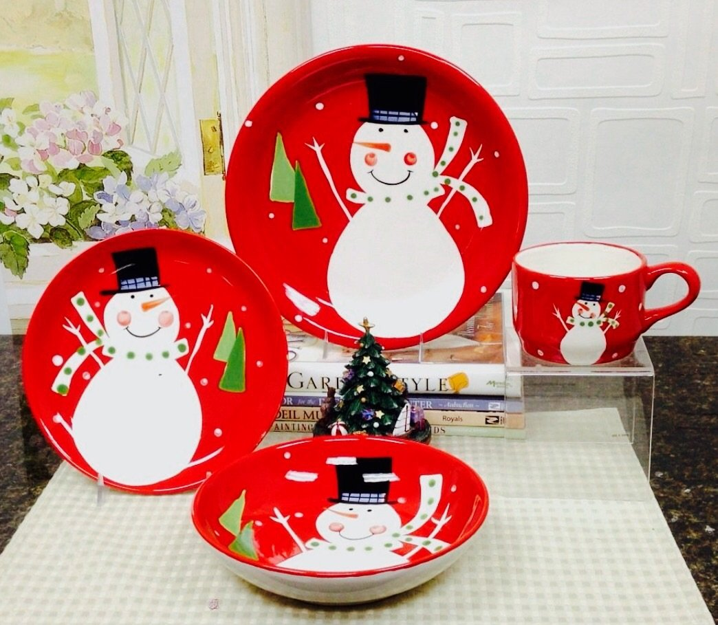 Christmas Snowman Collection Ceramic Hand Painted, 16-Piece Dinner Set