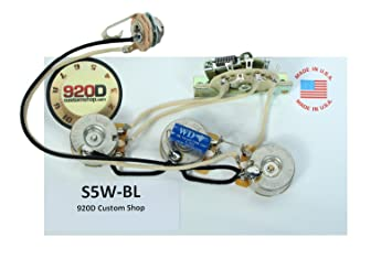 71Ac9Y9mVaL._SX355_ amazon com 920d fender strat stratocaster wiring harness Telecaster Wiring at crackthecode.co