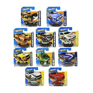 set of ten random hot wheels cars - Voitures Hot Wheels