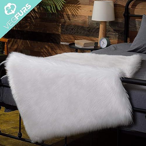 VEGFURS Luxury Ultra Soft Faux Fur Area Rug, Modern Shaggy Area Rug Pads, Fashion Fluffy Sheepskin Carpet for Home, Nursery, Living Room, Bedroom and Kids Room Decor 3 x 5 Ivory