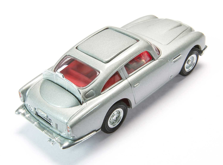 Amazon.com: Corgi James Bond 007 Aston Martin DB5 \