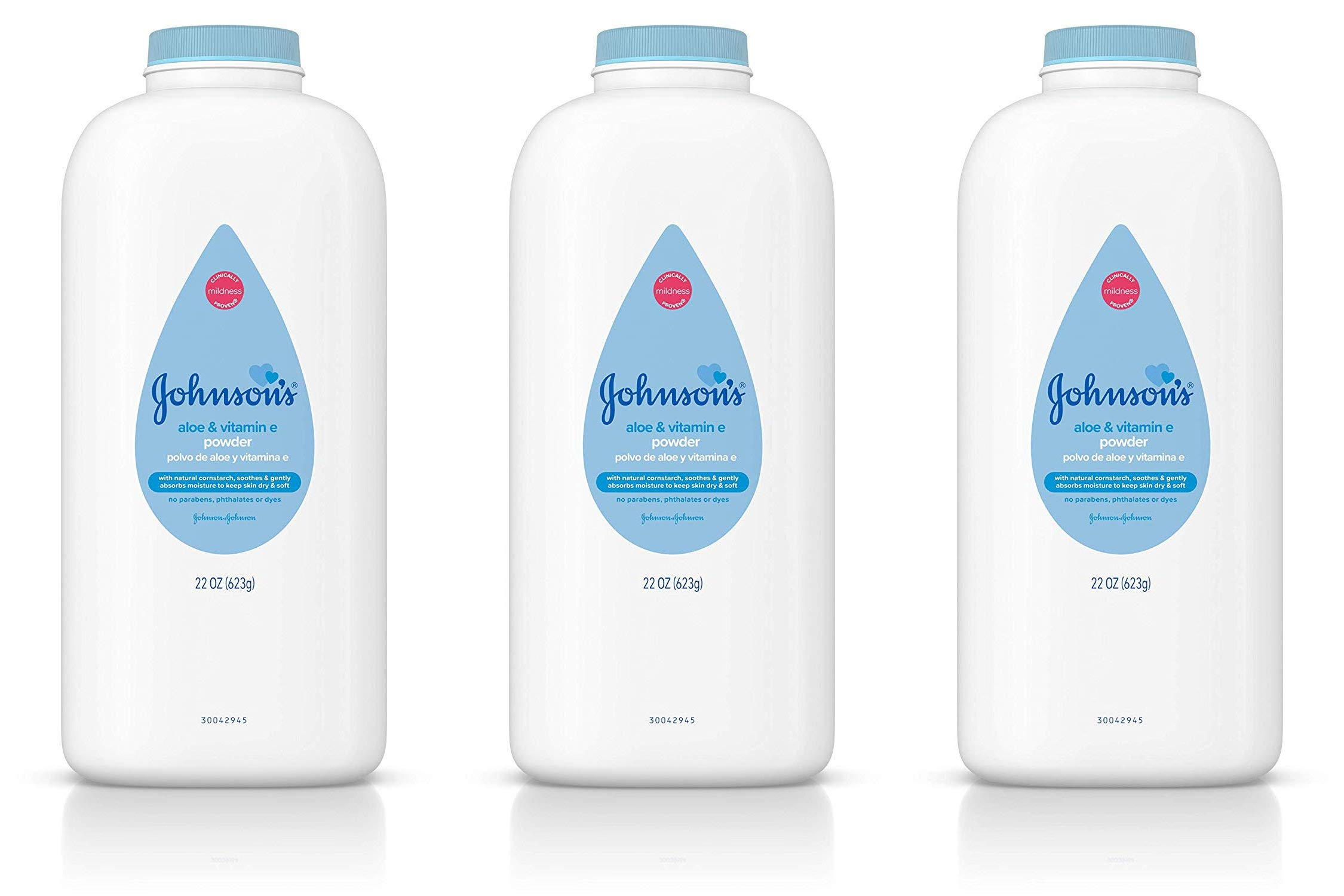 Johnson's Baby Powder, Pure Cornstarch, Aloe & Vitamin E, 22 Ounce (Pack of 3) by Johnson's Baby
