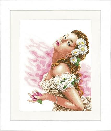 Mehrfarbig 37 x 48 x 0.3 cm Baumwolle LANARTE PN Z/ählmusterpackung Frau mit Kamelien Kreuzstichpackung