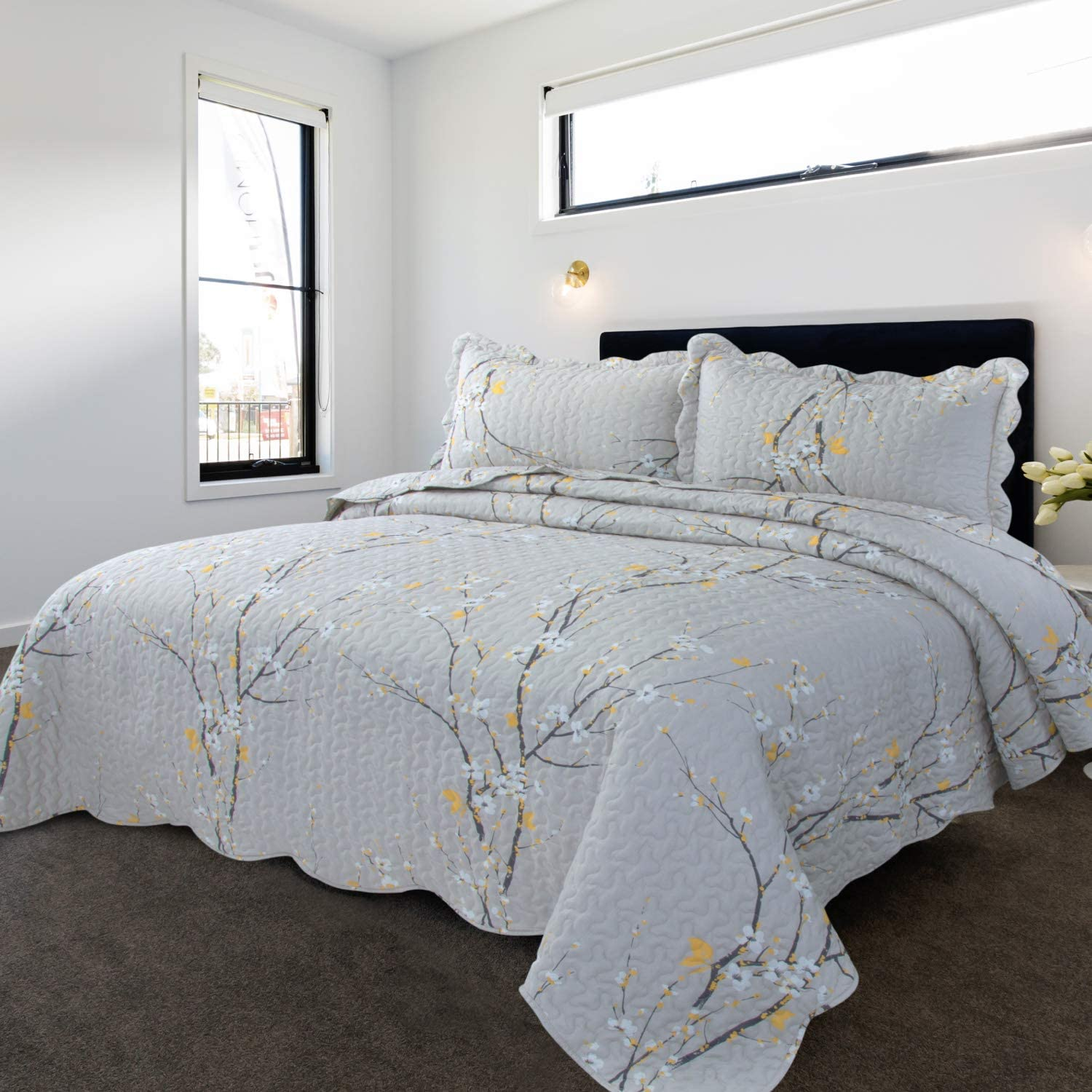 Bedsure Quilt Set Grey Queen Size Plum Blossom (90x96 inches) Bedspread, Lightweight Coverlet Quilt for Spring and Summer
