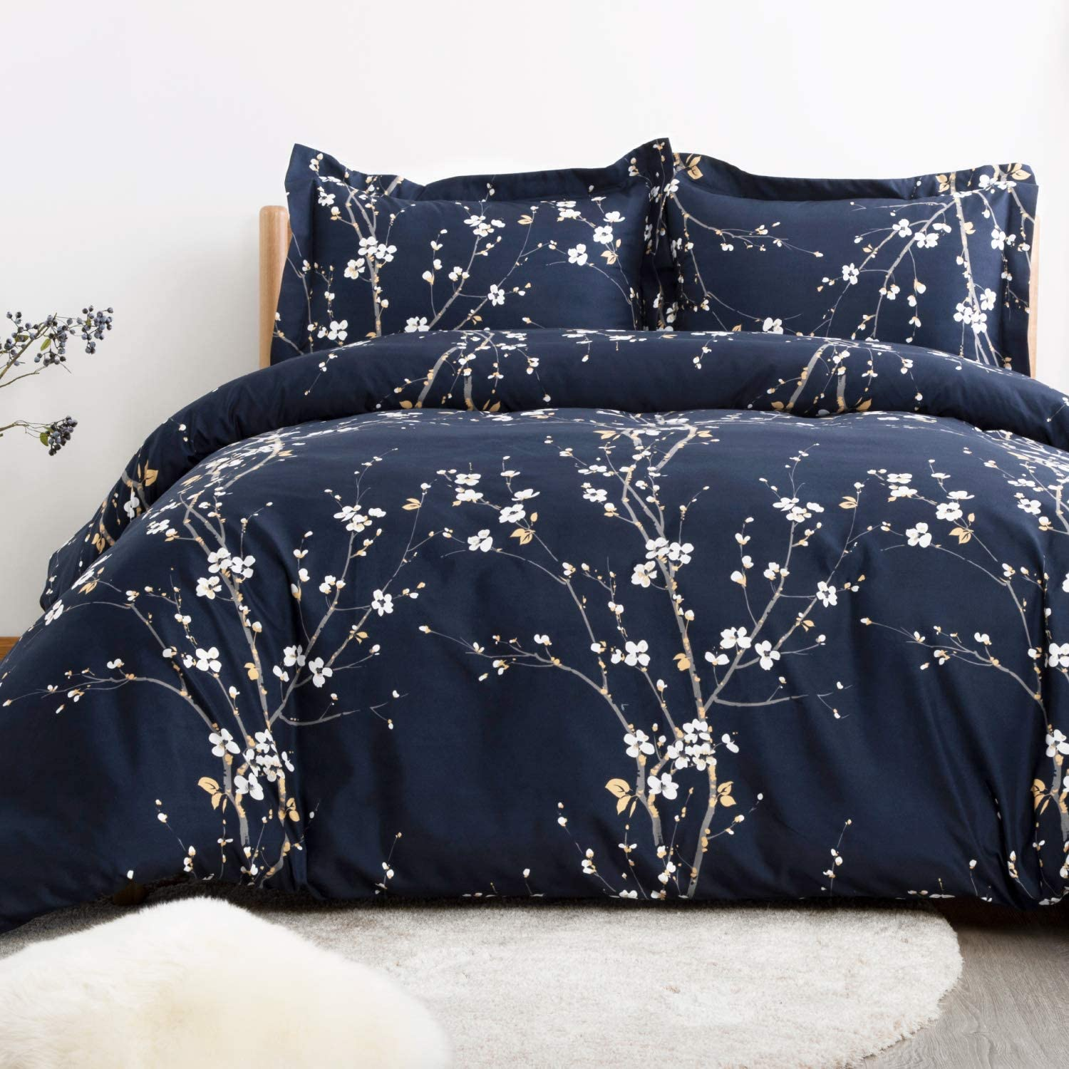 Bedsure Duvet Cover Set Twin Navy Printed Spring Bloom Pattern (68x90 inches) 2 Pieces Comforter Cover Zipper Closure (1 Duvet Cover + 1 Pillow Sham) Ultra Soft Hypoallergenic Microfiber