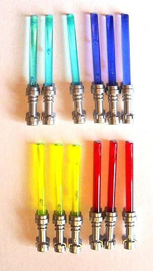 LEGO Star Wars - Espada láser con Mango Plateado (12 Unidades, 4 Colores): Amazon.es: Juguetes y juegos
