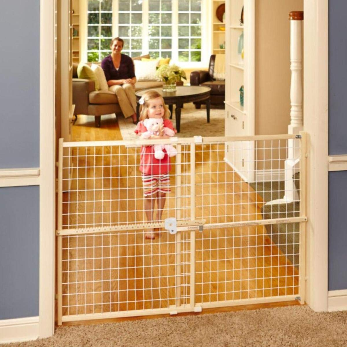 """North States 50"""" Wide Quick-Fit Wire Mesh Baby Gate: Hassle-free rachet system for quick custom fit. Pressure mount. Fits 29.5""""-50"""" wide (32"""" tall, Sustainable Hardwood)"""