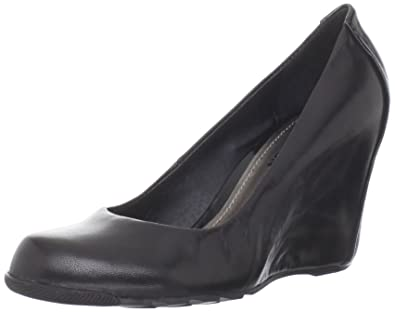 Amazon.com | Kenneth Cole REACTION Women's Did U Tell Wedge Pump ...