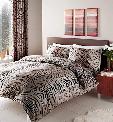 BROWN TIGER PRINT DOUBLE DUVET SET WITH MATCHING CURTAINS 66 x 72\
