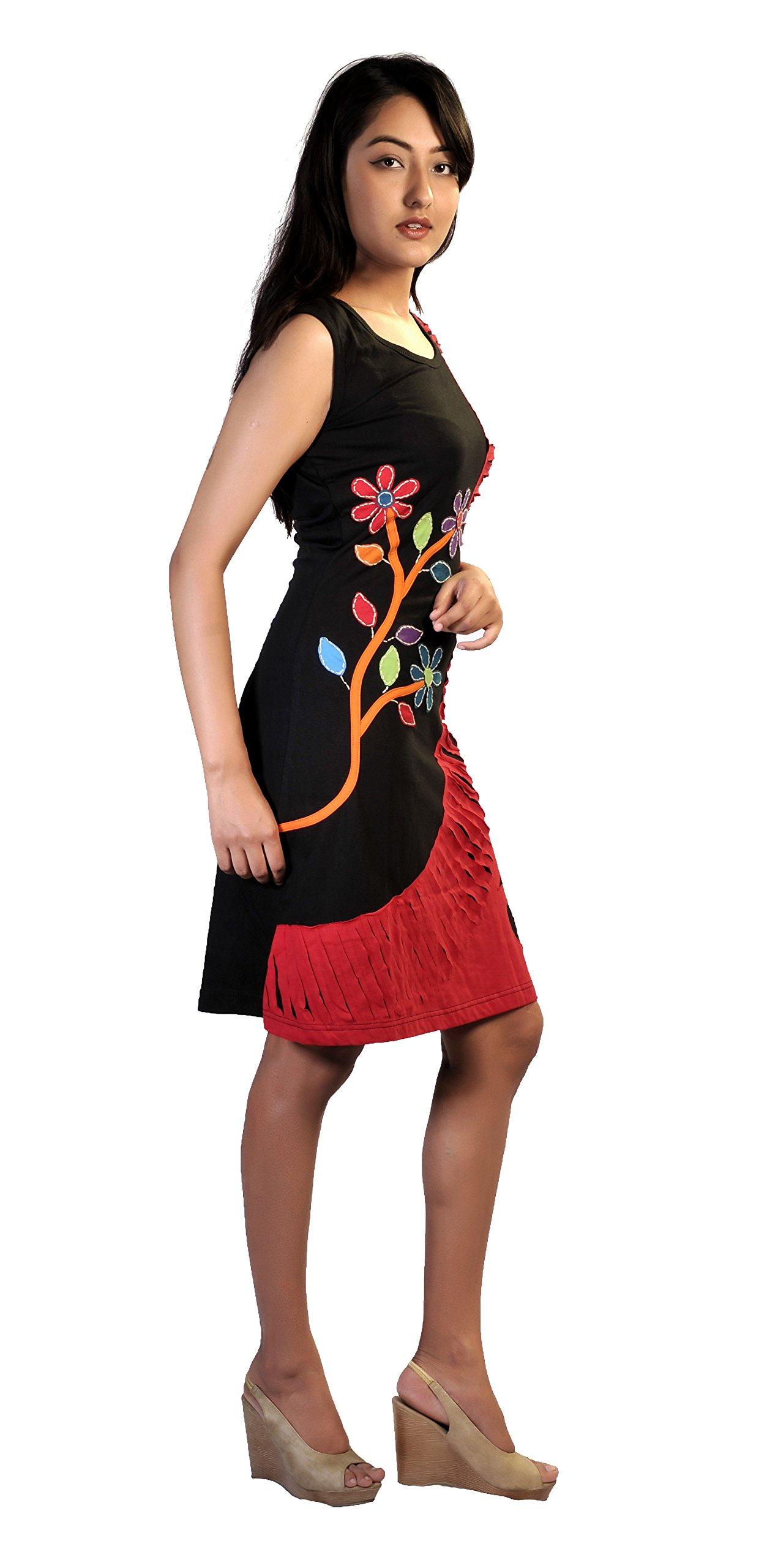 Negro sin mangas y vestido de rojo con estampados de flores de colores y bordado