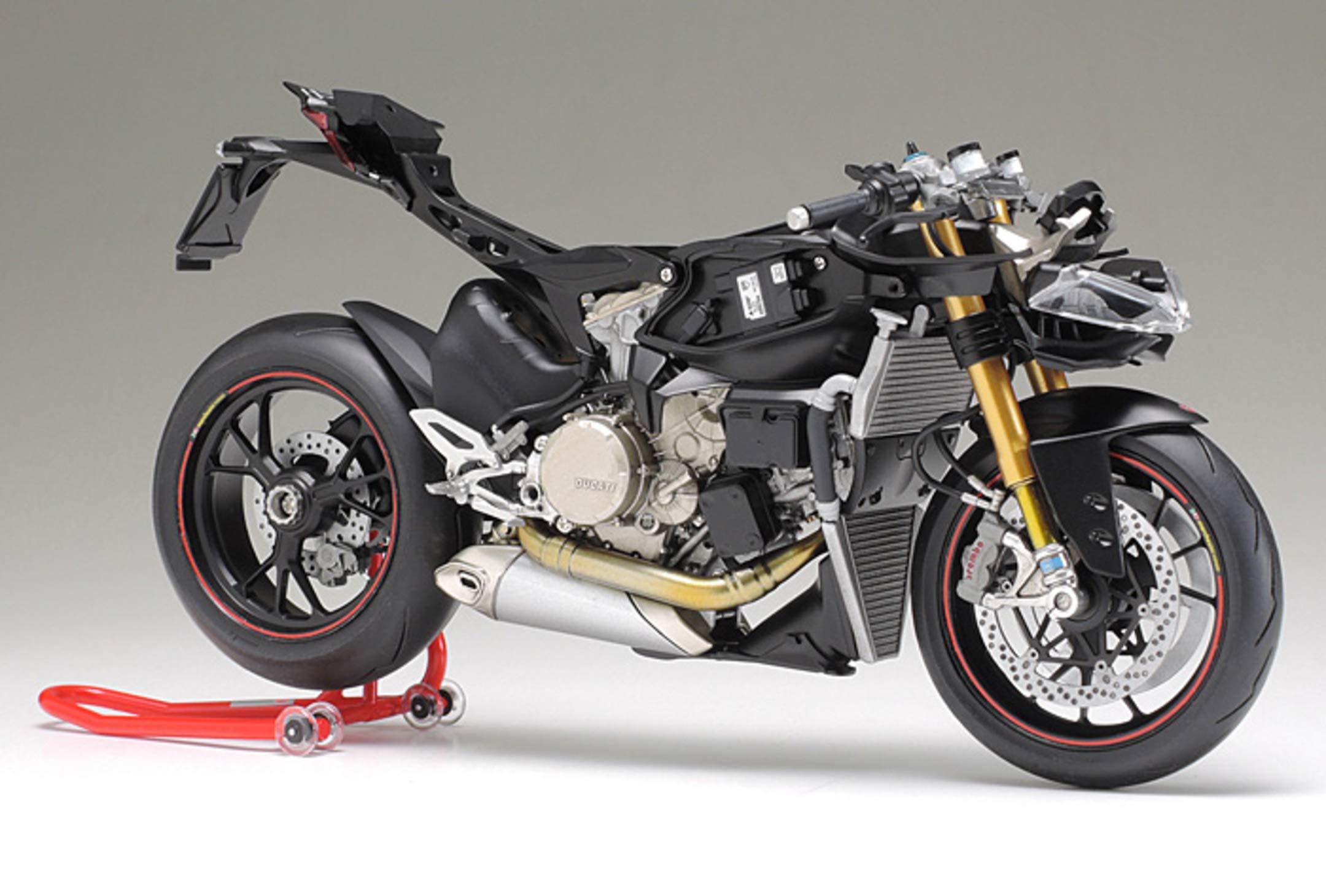 Tamiya 14129 1:12 Ducati 1199 Panigale S Model 7