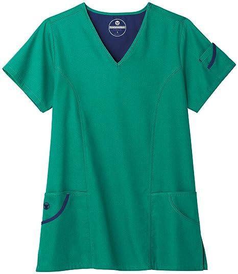 84aee37027b Amazon.com: White Swan F3 Fundamentals Ladies 6 Pocket V-Neck Scrub Top:  Clothing