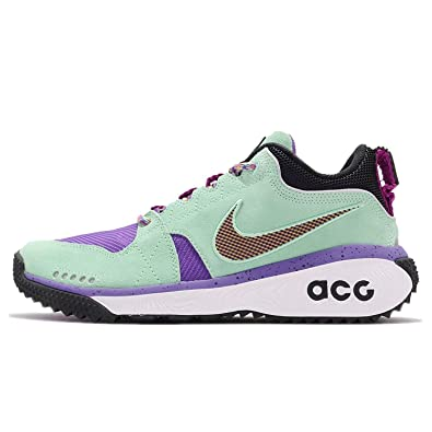 differently 99777 9f7c9 Amazon.com   Nike Mens ACG Dog Mountain Emerald Rise Tour Yellow-Black    Basketball