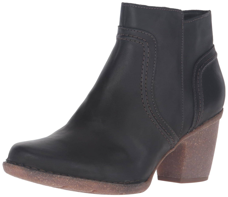 CLARKS Women's Carleta Paris Boot B0195SO2BA 5 B(M) US|Black Leather