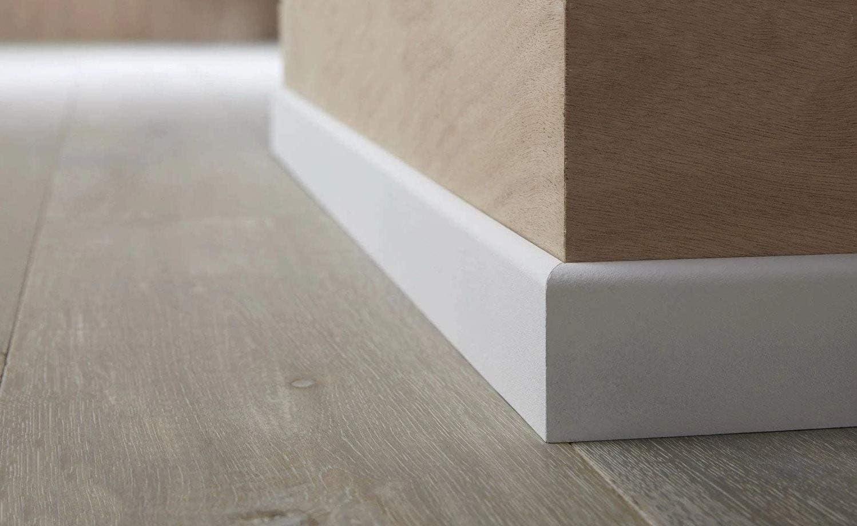 fabrication FRANCAISE Plinthe en m/édium pr/épeinte blanche de tr/ès grande qualit/é diff/érentes dimensions et finitions Hauteur 7cm finition carr/é, 14 ml