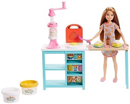 Barbie Playset Cocina Y Crea Stacie Estacion De Postres Amazon Com