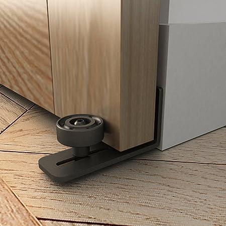 Granero puerta suelo guía estancia rodillo con banda adhesiva – fácil de instalar con libro | guía de suelo de acero con revestimiento de color negro ajustable | montaje en pared para