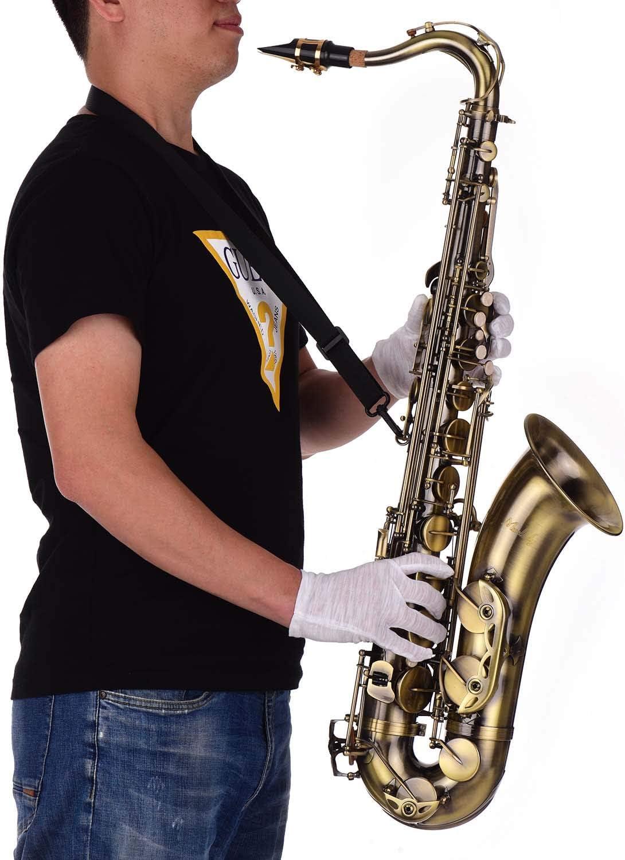 Saxofón tenor con estuche, corre, pano, etc. acabado antique