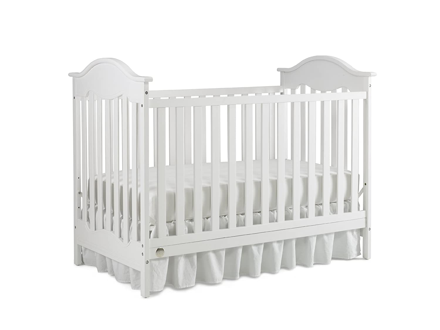 Fisher-Price Charlotte Traditional Crib, Snow White