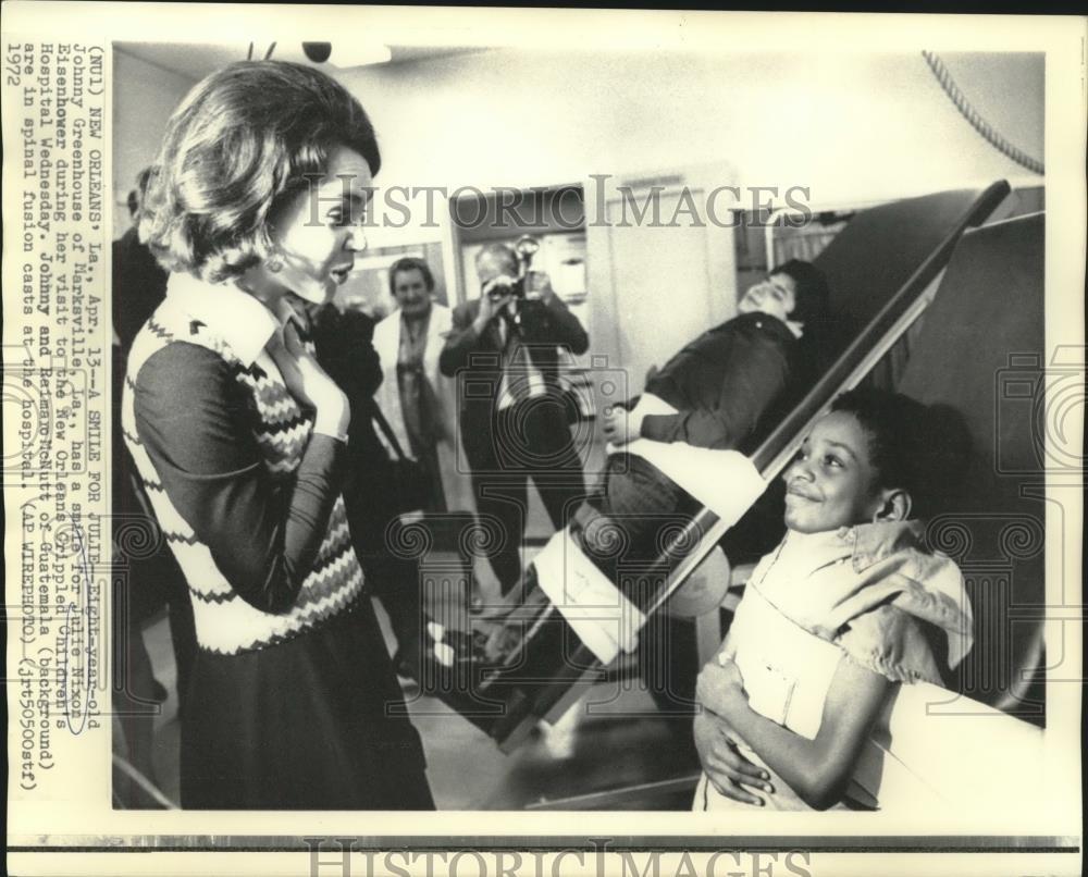Amazon 1972 Press Photo Julie Nixon Eisenhower Visits Johnny