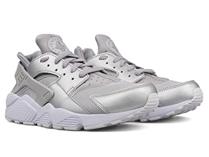 sports shoes 82732 2b484 Image Unavailable. Image not available for. Color  NIKE Air Huarache Run  Premium Lifestyle Sneakers Metallic Silver ...